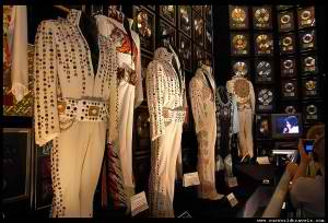 elvis-suits-graceland-museum-300x204