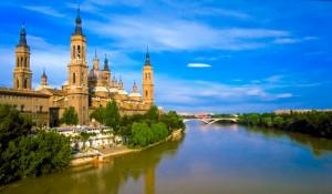 Zaragoza_Spain_Pilars-cathedral-